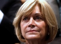 "Evelyn Matthei tilda de ""burla inaceptable"" la multa a Costanera Norte"
