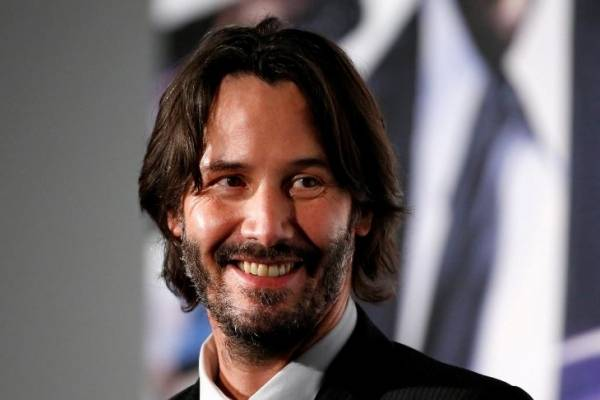 Marvel quiere que Keanu Reeves se una a Angelina Jolie en «The eternals»